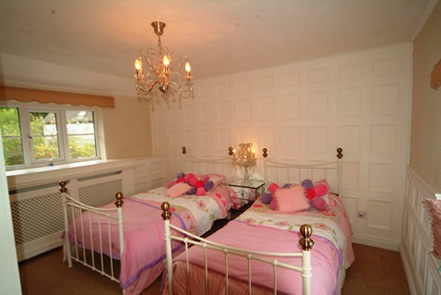 beaded bedroom wall panelling south wales