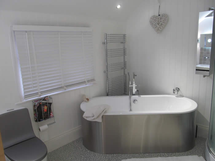 read and bead bathroom  panelling brighton british made