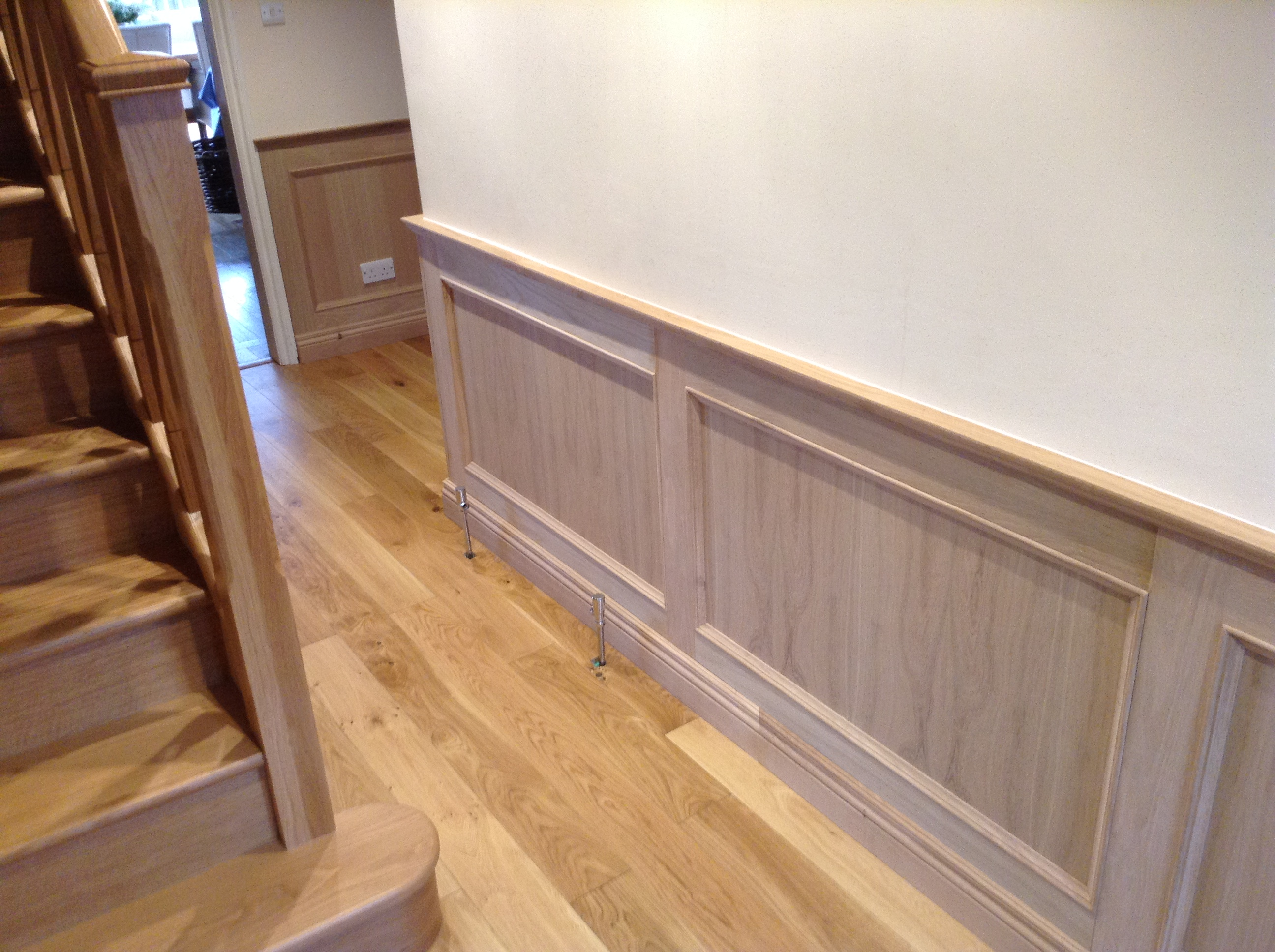 oak panellign by wall panelling experts