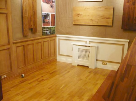 london exhibition oak panelling