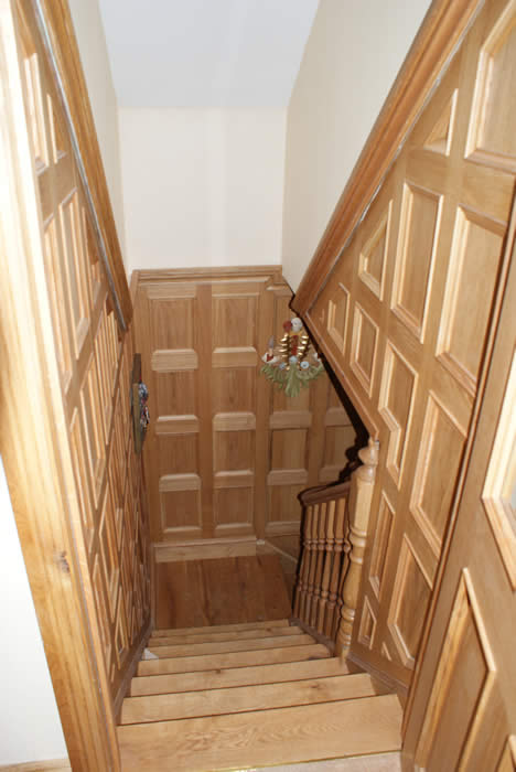 staircase wall panelling in oak