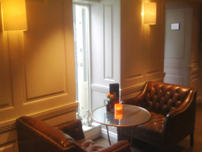 The halcyon boutique  hotel bath wall panelling made in the uk by wall panelling experts